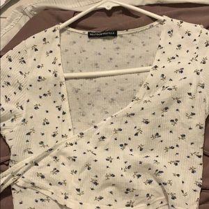 Shirt sleeve wrap shirt